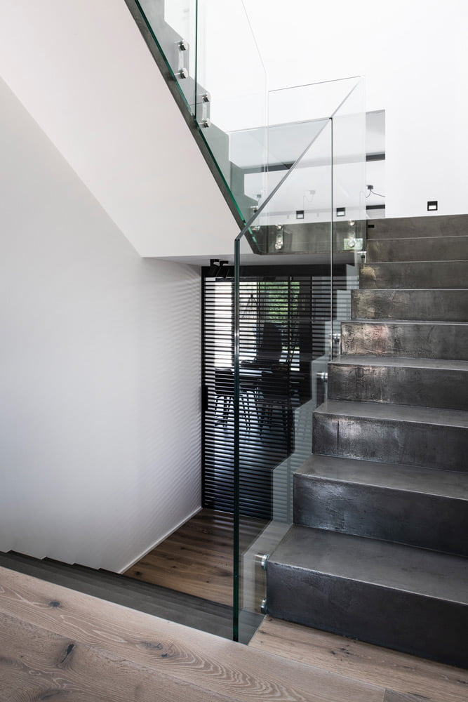 beton-cire-treppe-polliert
