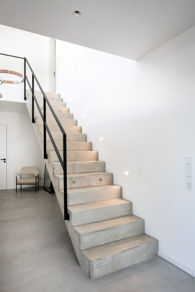 raumkonzept-nrw-beton-cire-treppe