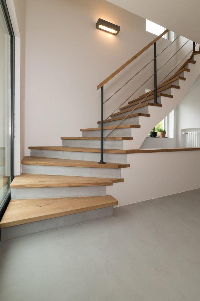 treppe-mit-beton-cire-renoviert-3-raumkonzept-nrw